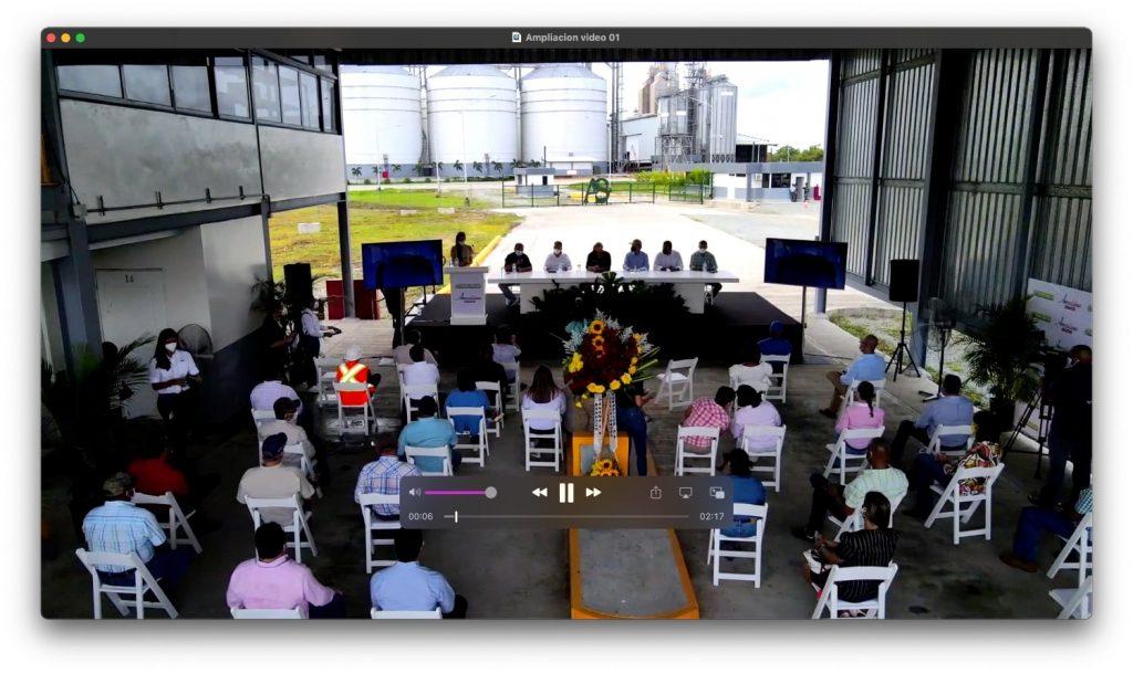 Ceremonia de Ampliación de Planta en Chepo Panamá público participante